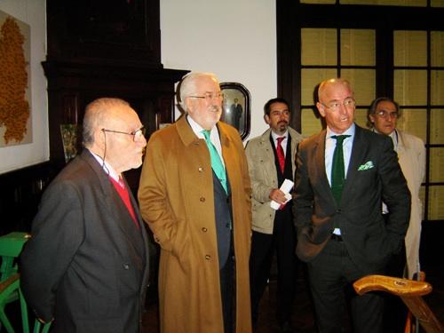 Lores Mascato guió a los visitantes por la Federación y el MEGA