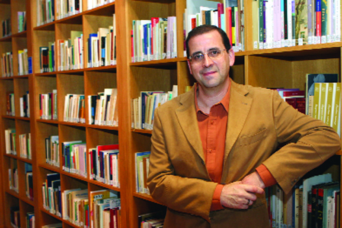 El académico Monteagudo Romero analizará la actualidad de la lengua gallega