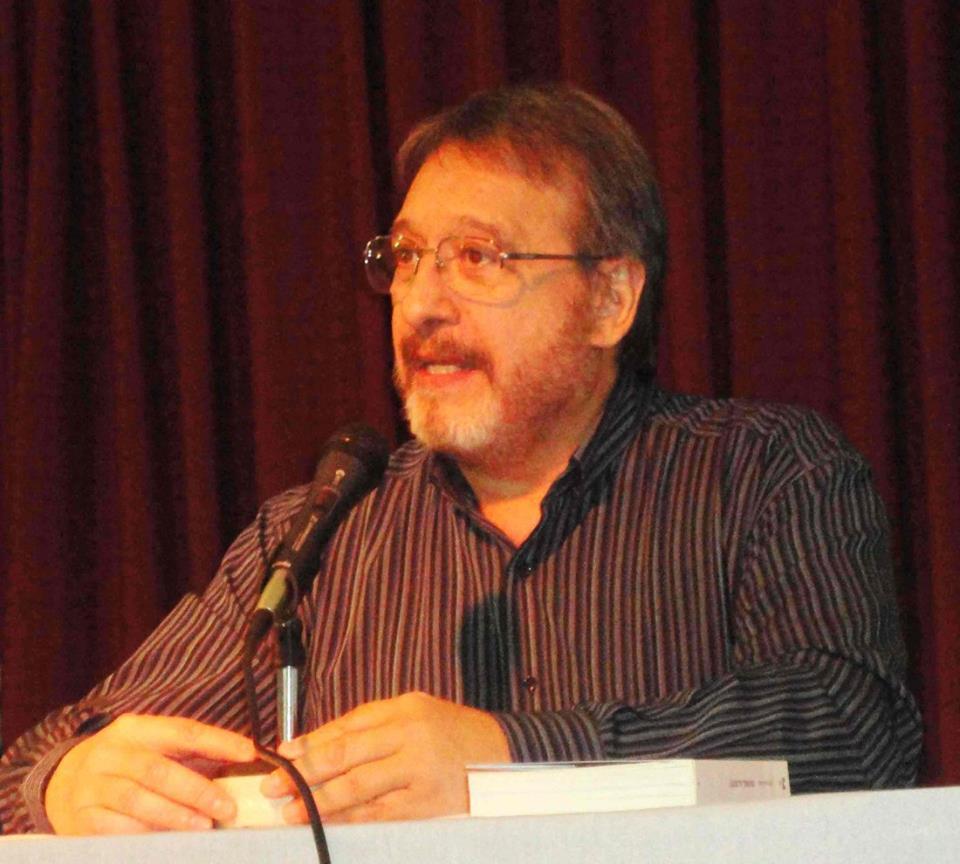 Llopis contó que la investigación para el libro le demandó 10 años de ardua labor